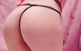 网红福利姬@甜美小樱子vip图包-情趣肚兜[73P/104MB]