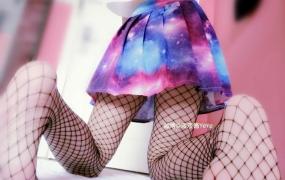 微博网红少女 液液酱YeYe 34套写真视频+图片合集【1.86G】