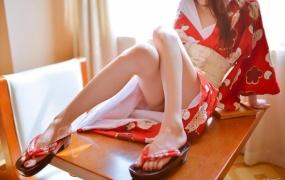 微博红人@萌兰酱(草莓味兰兰 萌小兔)和-服诱惑【100P】